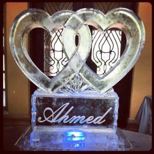 Interlocking hearts with pedestal